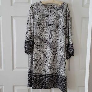 Black and white Loft dress